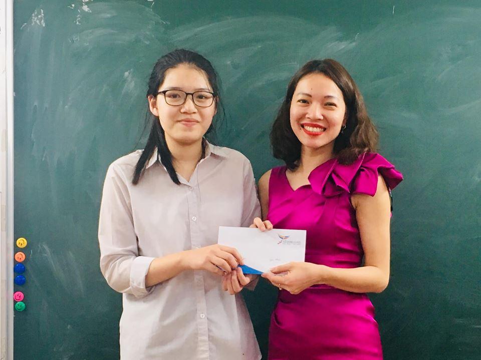 Chúc mừng con Nguyễn Hoàn Vy, học sinh lớp 9 Luyện Thi Chuyên Anh của cô Đỗ Dung, đã đạt Giải Nhất Thành Phố môn Tiếng Anh năm 2019!
