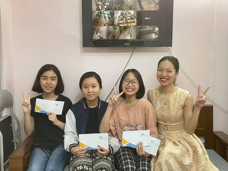 Luyen-Thi-Chuyen-Anh-Co-Do-Dung-Hoc-sinh-Tran-Thi-Phuong-Anh-7a0 (2)